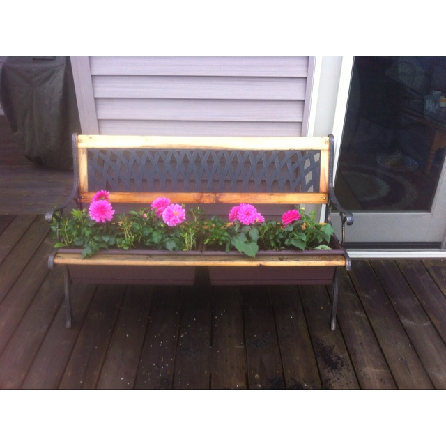 27 best dyi bench ideas images on pinterest benches dyi for Flower bench ideas
