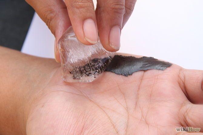 Изображение с названием Remove Tar From Skin Step 1