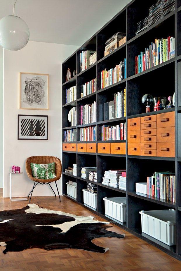 designed by Mauricio Arruda | photo by RICARDO LABOUGLE | from Vogue House magazine | shelves!