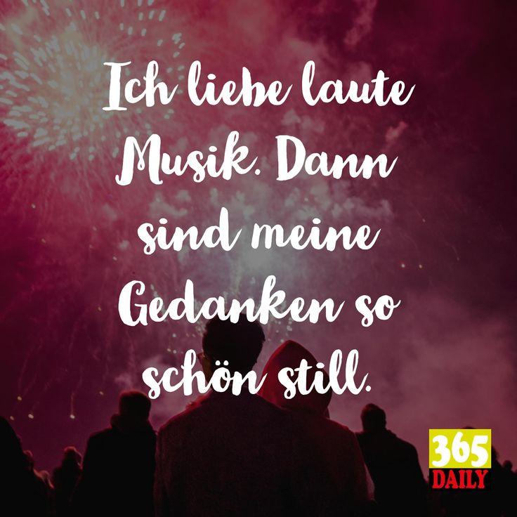 Ich liebe laute Musik.  Dann sind meine Gedanken so schön still.  Stimmt schon: Gedanken kann man nicht abdrehen, aber eben die Musik aufdrehen.   #Musik #Reggae #Disco #Dance #Dancemusic #Tanzen #Club #Bar #Tresen #Kellner #Abend #Ausgehen #Wegfliegen #Pille #Einklinken #Stille #Schweigen #Wegsein #wegbeamen #Musiker #Punk #Hardrock #Softrock #Stones #Happy #Glück #Glücklich #Meditation #Ruhe #Innen #Schweigen  #Erleuchtung