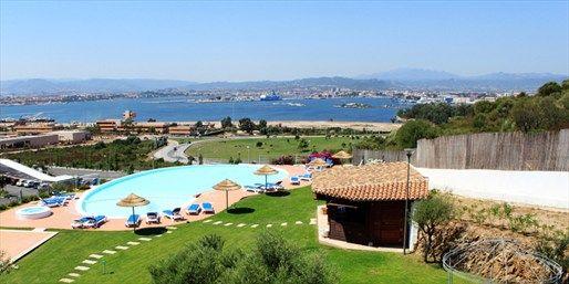 ab 421 € -- Sardinien-Woche mit Halbpension & Flug