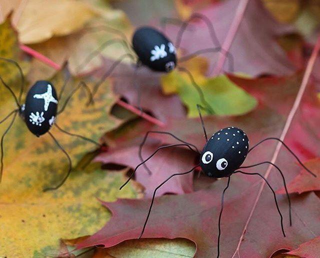 Se vilka fantastiska spindlar som @diysweden gjort av ekollon på temat #natur. #pysselutmaningoktober #panduropyssel #pyssel #panduro #pandurokreatör #panduroinspiratör