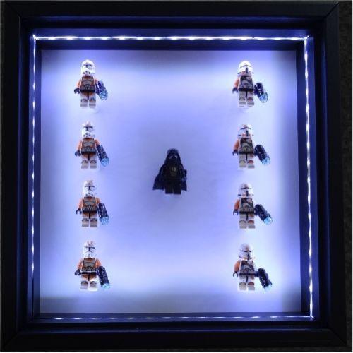 Perfect Vitrine Display Case beleuchtet mit LED Licht fuer
