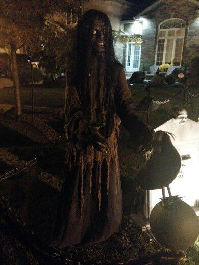 Halloween lifesize prop - witch zombie