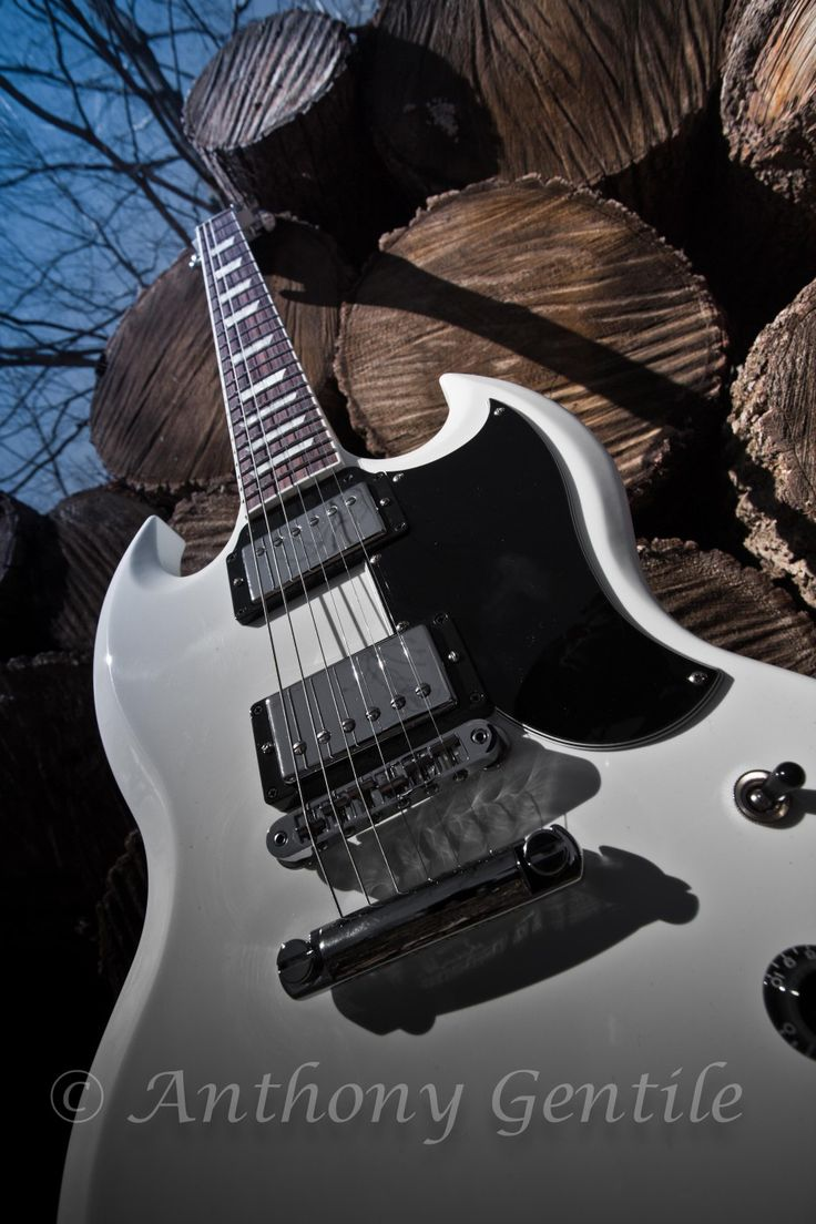 Gibson's white #gibson #guitars  #music #anthonygentilephotography