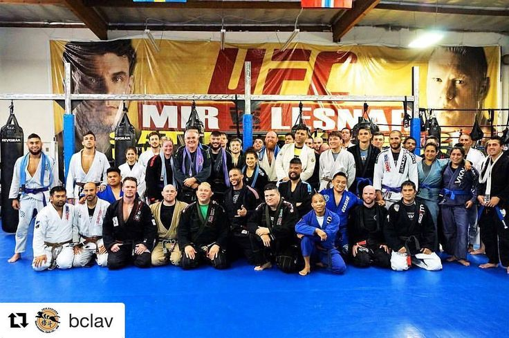 #Repost @bclav (@get_repost) ・・・ Great group last night at @erikpaulsonscsw with our fearless leaders @riganmachado and @erikpaulson #csw #cswstrong #riganmachado #erikpaulson #gi #bjj #jiujitsu #train #hunt #compete #ckfightlife #bjj #bjjlifestyle #bjjgirls #erikpaulson #riganmachado #onejiujitsu #givasantana  #fitness #health #fullerton #ufc #ufcgym #ufcgymhuntingtonbeach #bjjeveryday ✌�� http://misstagram.com/ipost/1548916504443352641/?code=BV-21qyFfZB