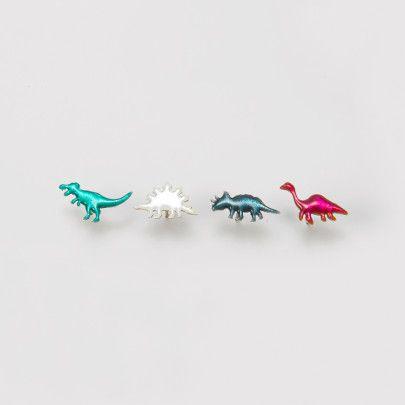 七宝ジュエリーブランド「Kenichi Kondo」のユニークな恐竜のピアスが新しく登場。金属の上にガラス質の釉薬を約800度で焼き付けてつくられる七宝と恐竜の組み合わせが絶妙です。お好きな恐竜をお選びください。