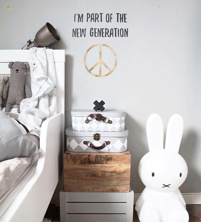 "How great is this? @stickstay.se is releasing their new ""Peace"" collection and a part of the profit will be donated to refugee children ❤️ #kidsroom #kidsdecor #kidsdesign #kidsdeco #barnrum  #kidsperation #kids #kidslife #barabarnrum #finabarnsaker #barnrumsinspo #barnrumsinredning #barnrumsinspiration #barnerom #barnerommet #barneromsinteriør #familyliving #crosshook #wallhook #nordickidsliving #kinderkamer #kinderzimmer ©pixistuff Pic cred @stickstay.se"