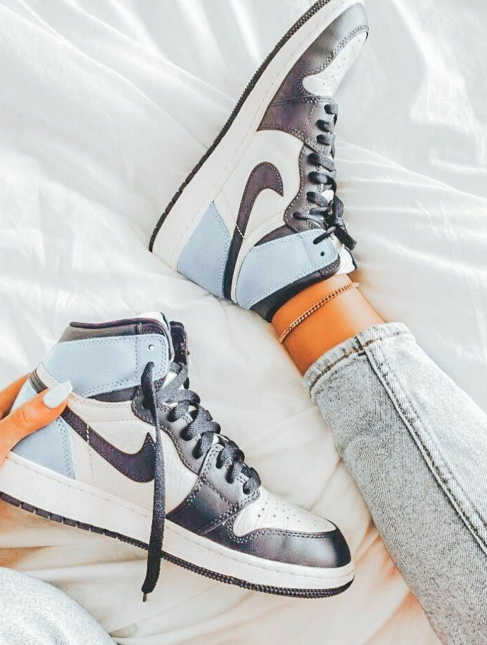 Pin by Madly BECKLER on chaussures | Sneakers fashion, Jordan ...