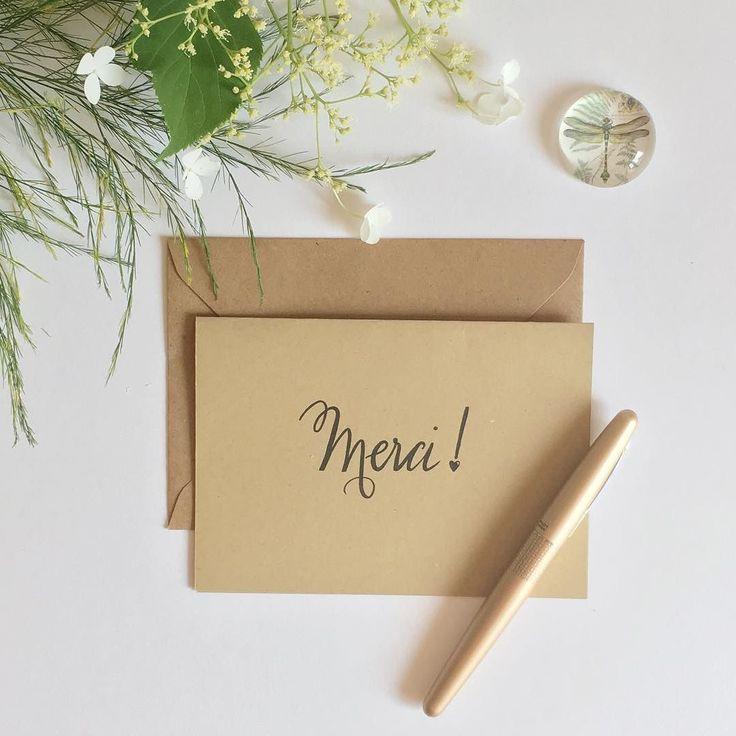 les 25 meilleures id es de la cat gorie papier kraft sur pinterest invitations de mariage. Black Bedroom Furniture Sets. Home Design Ideas