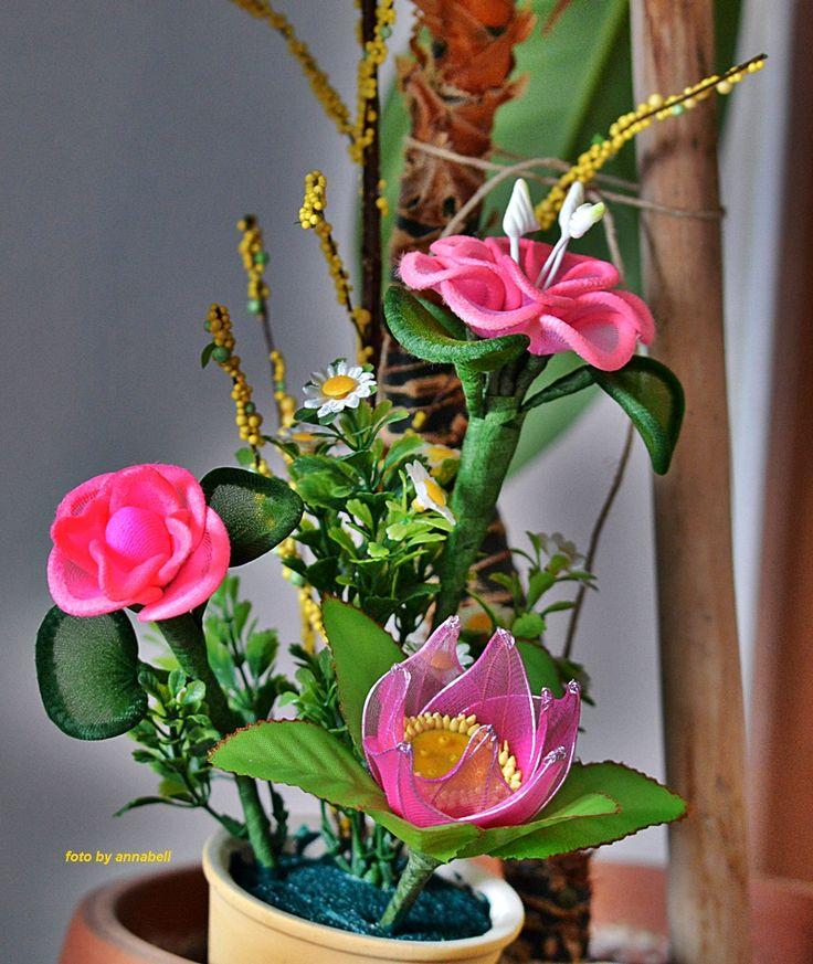 Zsenilia drótból harisnya virág