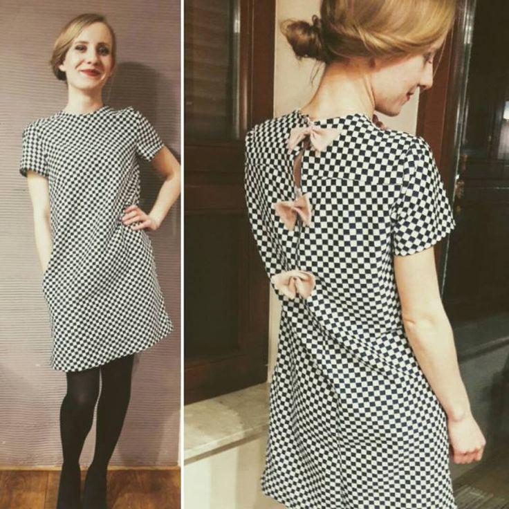 Sukienka retro Żeby było jasne Ja nie jestem specjalistą, określiłabym się jako raczej Fanatyk – Amator, a ten post nie jest gotowym przepisem na sukienkę. Nauczyłam się szyć z pomocą mojej mamy, g…