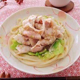 豚肉のうまみ、キャベツの食感、うどんのコシが 一度に楽しめる、味わい深いうどん。 http://www.tablemark.co.jp/recipe/udon/detail/0363.html #うどん#冷凍うどん#さぬきうどん#肉!#塩味#シンプル#見た目地味だけどおいしい!!#大きめ具材#簡単レシピ#テーブルマーク#udon#sanukiudon#TableMark