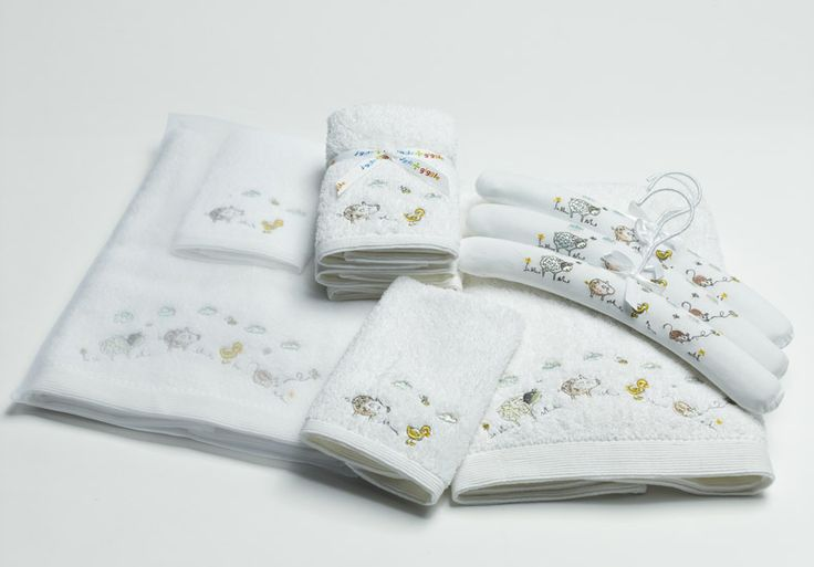 'Baby Animal' towel range includes; face washers, bath towels and coat hangers #baby #babygift #towels #bathroom #kids #nursery #genderneutralgift