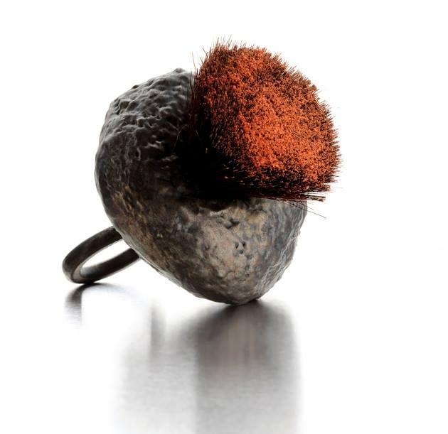 CORRADO DE MEO ring    - Anello Blush brush argento elettroformato, ossidi e pennello da trucco.