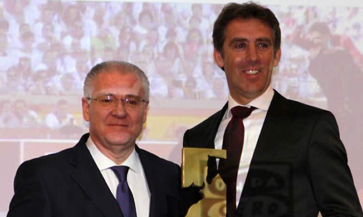 Pablo Hermoso de Mendoza recogió en Pamplona su séptimo trofeo Ciudadela, otorgado por Onda Cero Pamplona y El Corte Inglés.