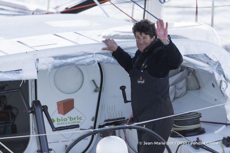 Jean Le Cam (FRA), skipper Finistere Mer Vent, at start of the Vendee Globe, in Les Sables d'Olonne, France, on November 6th, 2016 - Photo Jean-Marie Liot / DPPI / Vendee GlobeJean Le Cam (FRA), skipper Finistere Mer Vent, au départ du Vendée Globe, aux