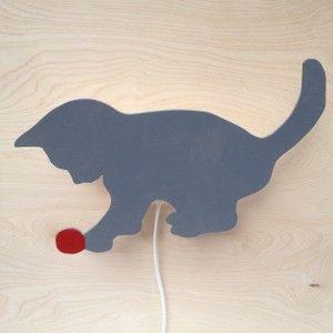Katt med nystan
