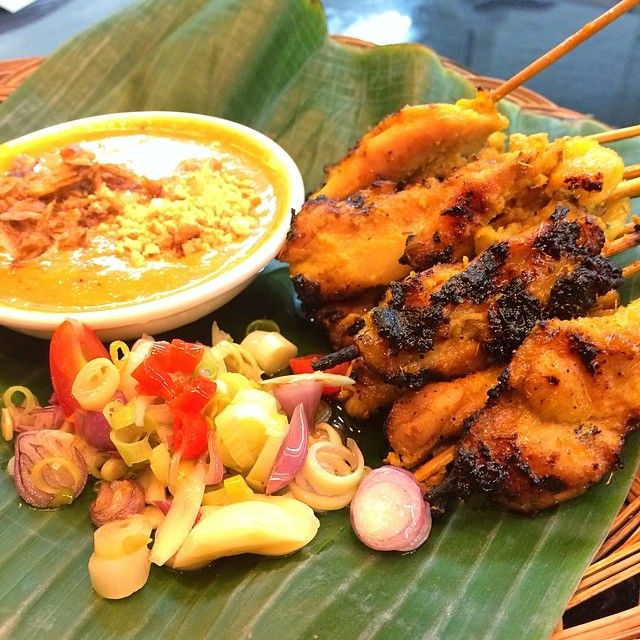 Satay #sate localfood #indonesiafood #howdyhelloholaheyho #opcoindonesia #H5 https://www.facebook.com/H5OPCO