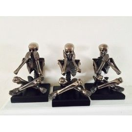 SEE NO EVIL, HEAR NO EVIL, SPEAK NO EVIL, STATUES OF 3 SKELETONS BRONZE SKULLS. COOL ANTIQUE BRONZED FINISHED FOR THE OLD FASHIONED DESIGNER ORNAMENT. GOES WELL IN NEW MODERN HOMES AND OLD GRADE 1 AND 11 LISTED BUILDINGS. IDEAL GIFTS FOR CHRISTMAS AT OUR RETRO ONLINE SHOP