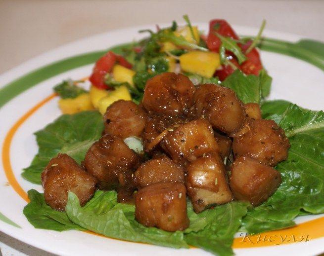 Салат с морским гребешкоми шампиньонами