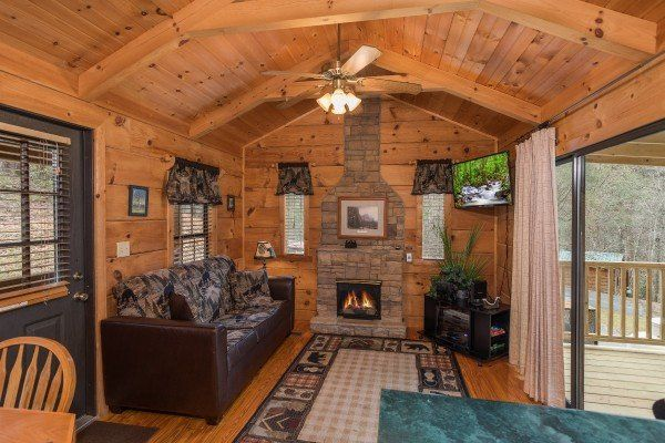Boogie Bear Value 1 Bedroom Gatlinburg Cabin Rental Gatlinburg Cabin Rentals Gatlinburg Cabins Cabin Rentals