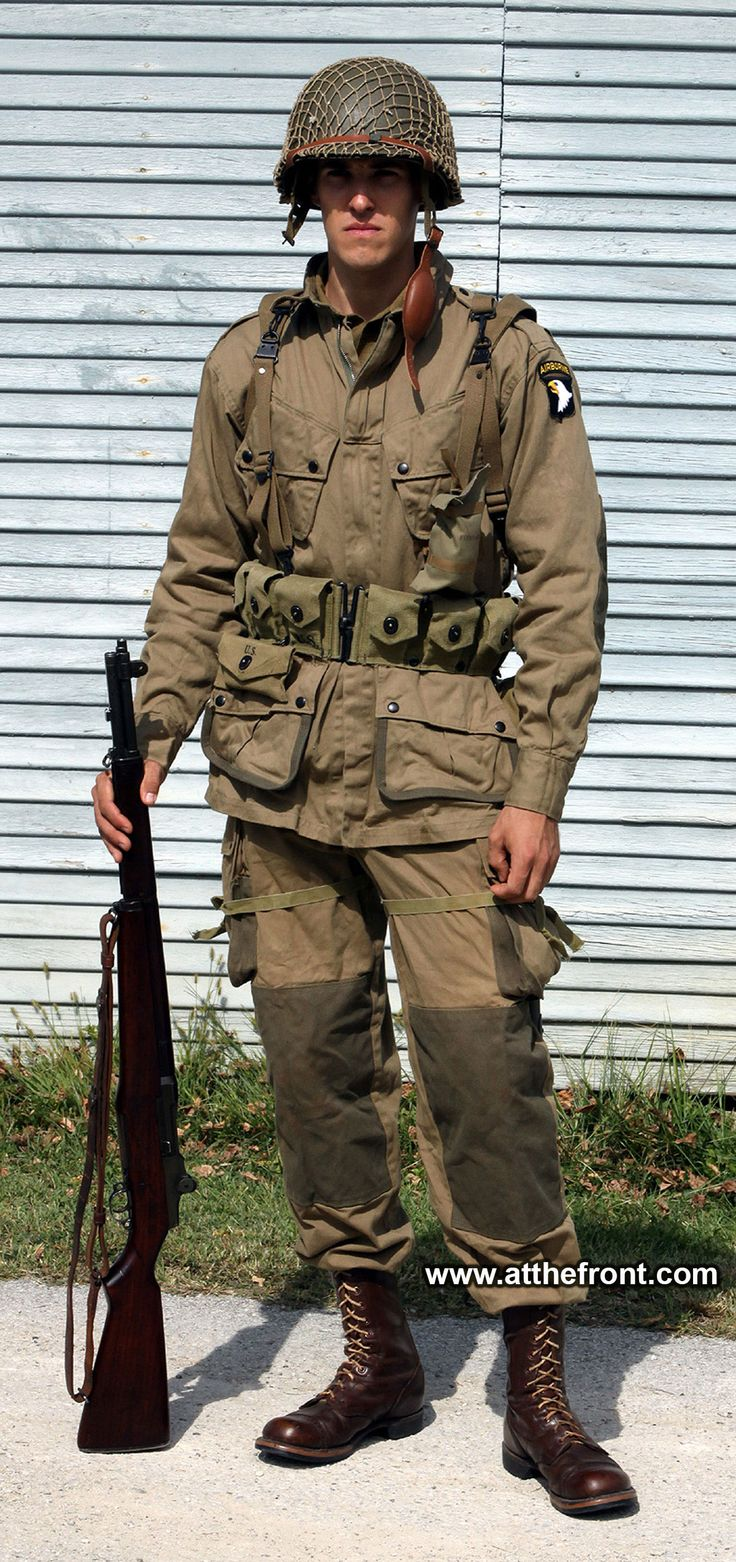 U.S. WWII Paratrooper Package