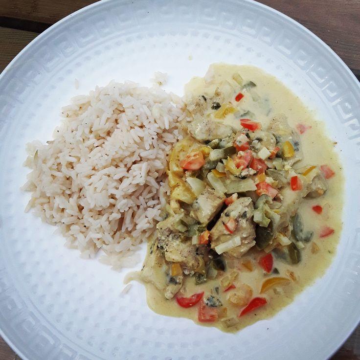 Curry de poulet au lait de coco Ananas et riz cuisson à la vapeur.  Recette, cuisson vapeur, vapeur, cuiseur vapeur, 3 paniers, silvercrest, miele, seb, tefal, cuisine, minceur, low calories, pas cher, chicken.