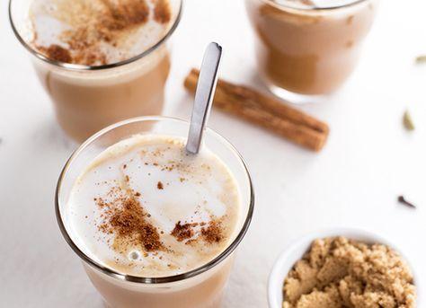 Liefhebber van de Chai Tea Latte van Starbucks? Then we got some news for you, want je kunt deze thee thuis ook heel makkelijk zelf maken!