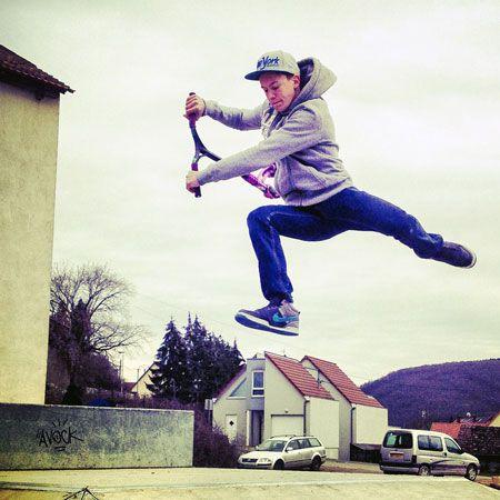 Trottinette freestyle au Skatepark de Wasselonne : Une vingtaine de jeunes se retrouvent régulièrement au #Skatepark de #Wasselonne pour pratiquer la trottinette freestyle > Lire l'article sur : http://www.vuparici.fr/trottinette-freestyle-skatepark-wasselonne/ #basrhin #alsace #france #freestyle