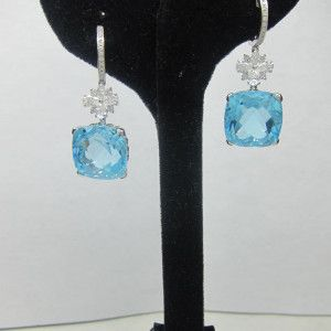 Aquamarine Earrings. Buy at The Best Jewelry Stores NYC.