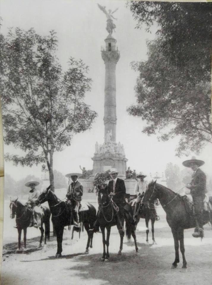 Ángel de la Independencia. Foto tomada en 1914.