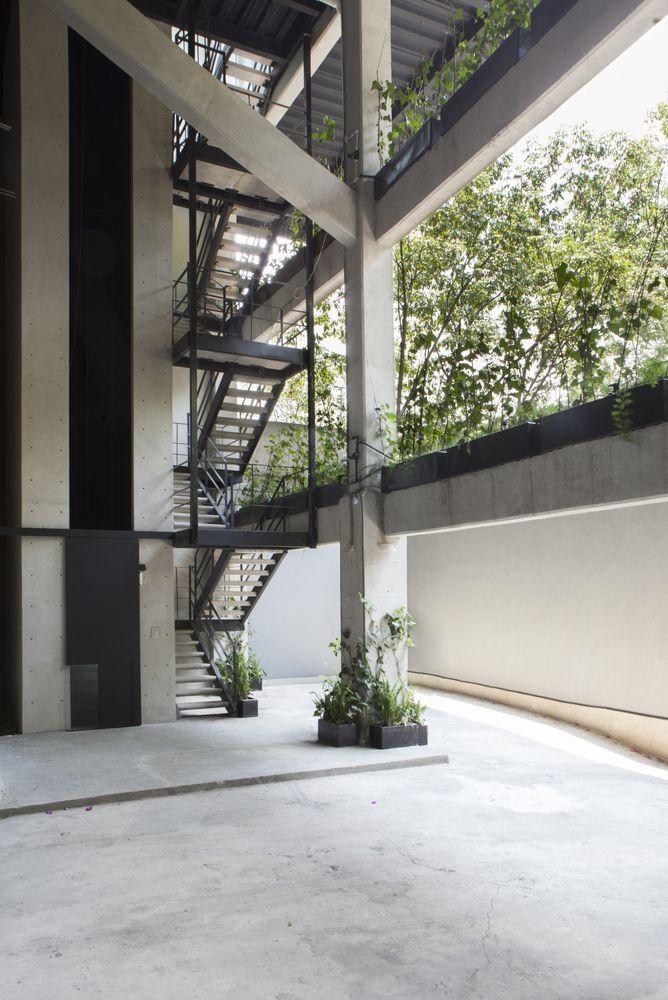Gallery of Paseo de las Lilas / Taller David Dana - 6