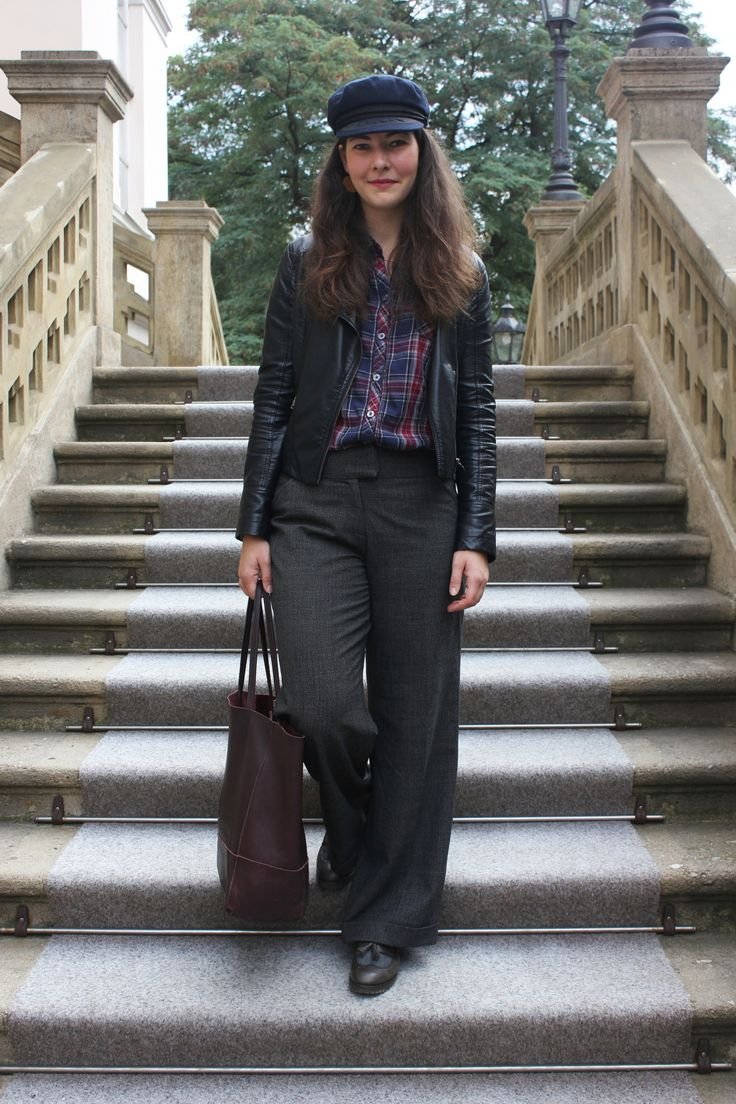 My best tips, how to care about capsule wardrobe. Autumn Capsule Wardrobe. How to wear leather jacket outift.