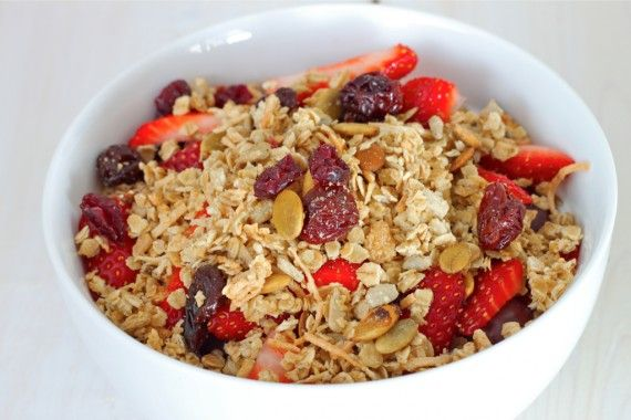 Granola!! Do you know how ridiculously easy it is to make granola ...