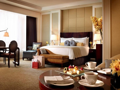The Four Seasons Hotel Macao, Cotai Strip is easily accessible from the Macau International Airport. The local attractions include Gondola Ride, Guia Fortress, Mount Fortress, and St. Augustine Square. The surrounding area offers a wide range of sightseeing activities. #fourseasons #hotel #macau http://helloasia.travel