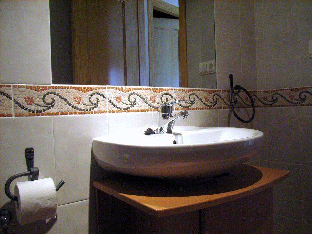 Baño. www.wellrenting.com
