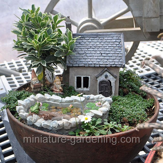 Happy Pond And House Owners: #fairygarden #fairyhouses