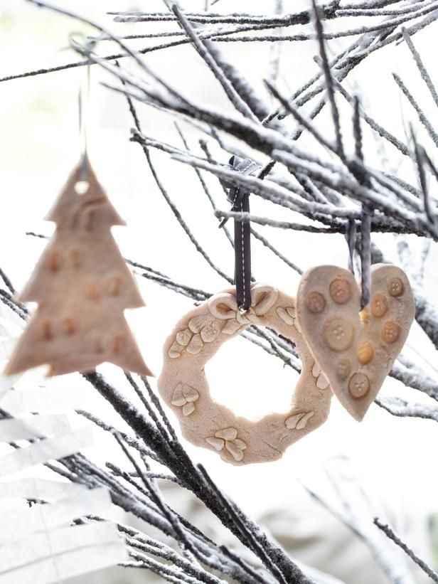 Easy to make cookie dough ornaments>> http://www.hgtv.com/handmade/10-easy-to-make-holiday-tree-ornaments/pictures/index.html?soc=pinterest: 10 Easy, Cookie Dough Ornaments, Cookies Dough Ornaments, Homemade Christmas Ornaments, Diy Christmas Ornaments, Christmas Trees Ornaments, Christmas Ideas, Easy Diy, Cookiedough Ornaments
