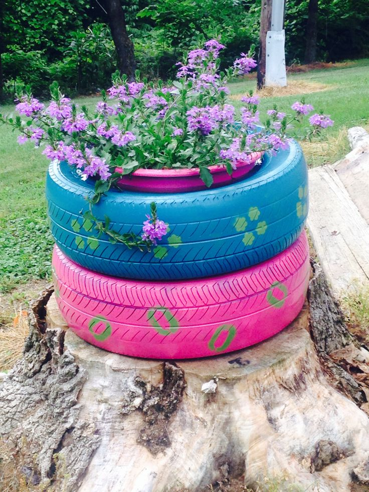 1000 images about tires recycled on pinterest tire for Car tire flower planter