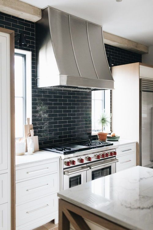 20 bold kitchens backsplashes that make a statement kitchen design rh pinterest com