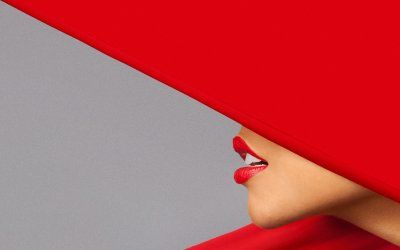 Red lips.Magazines Red, 80S Touch, Fashion Design, Lady Hats, Red Lips, Lifestyle Magazines, Angular Red, Angled, 80 S