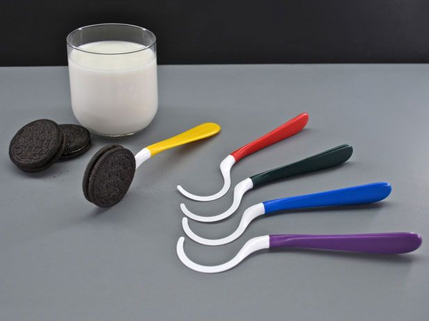 ...  a Dipr, the innovative new cookies-and-milk eating tool!: Food Network, Gift, Gadgets, Sandwiches Cookies, Eating Tools, Innovation Products, Oreo, Cookies Dipper, Cookies Dunker