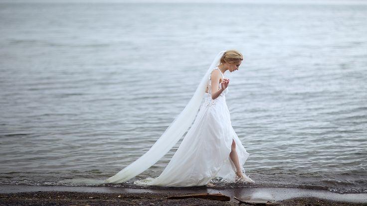 Elegant bridal editorial by LaMemoir Photography | Toronto Wedding Photographer | www.LaMemoir.com | https://www.facebook.com/LaMemoir   #bridal #editorial #wedding #dress #photography #toronto #ontario #fashion #bride