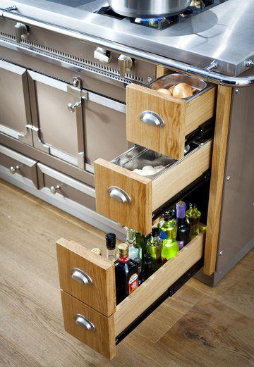 Et toujours : Des tiroirs malins dans cette cuisine - Plus de 25 modèles de cuisine à suivre : la nouvelle sélection - CôtéMaison.fr