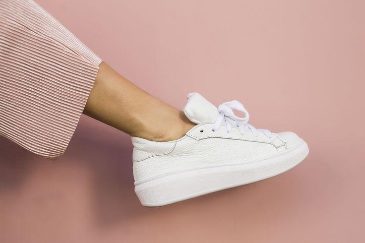 [ CHOFIS DEL DIA  Mika Cuero Blanco #SoydeGrecia #Fashion #Shoes