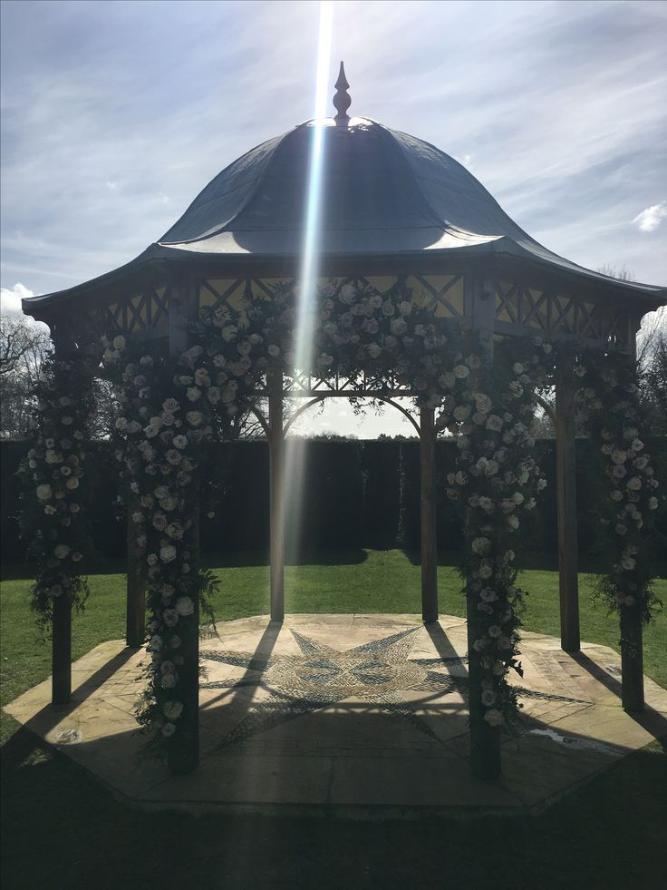 #weddingceremony #gazebo #outsideceremony #chippenhampark