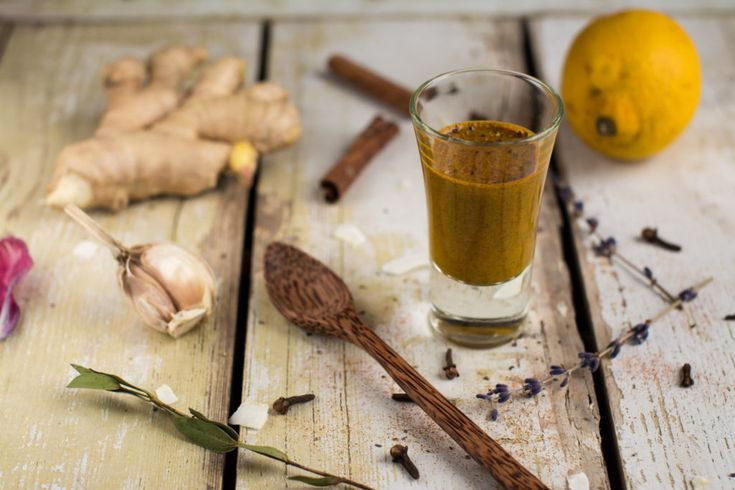 Easy to make antifungal, anti-inflammatory cold and flu remedy hot shot made of natural ingredients. With tutorial video.