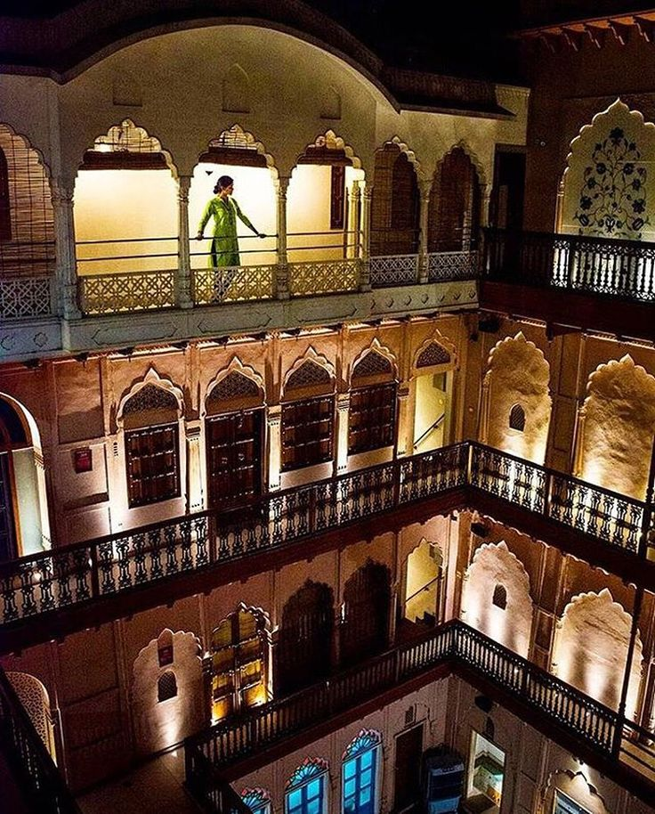 Haveli  life!  Being all classy-like in a restored haveli (mansion) in Old Delhi.  From the haveli rooftop we could see into the tight, winding alleys of Delhi's old city, and oh how gorgeous they are.  Back in the day, the area was the home of Delhi's nobles and aristocrats. These days, its crowds are far more diverse!  Picture Credits : @lostwithpurpose  #indiapictures #incredibleindia #delhi #photographyeveryday #olddelhi