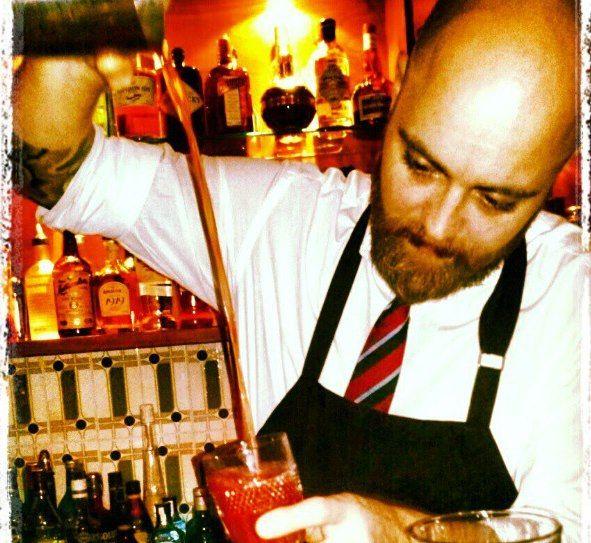 Μην χάσετε το νέο επεισόδιο της σειράς μας The Bartenders, σήμερα ο Αλέξης Σιμωνίδης του Inbi! http://www.fnl-guide.com/gr/el/the-bartenders/bartendes-simonidis/